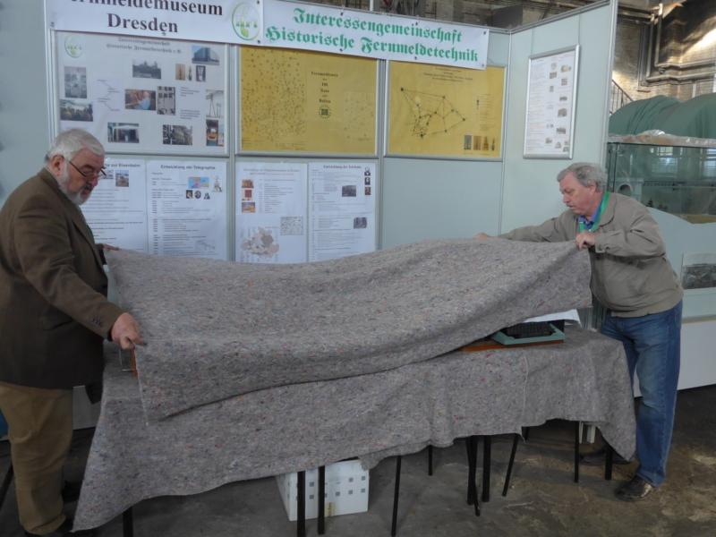Vorbereitung am zweiten Ausstellungstag