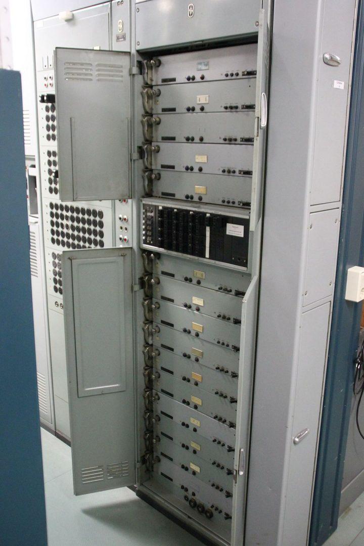 Rundfunkleitungsverstärkerschrank RLV 55