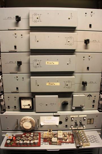 Z12/V24 Zwischenverstärkerschrank, transistorisiert