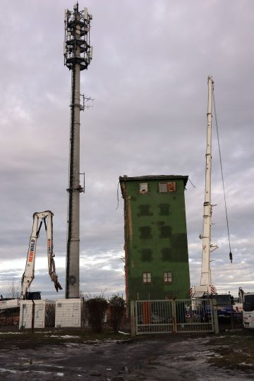 Rückbau 2020. Die Antennen wurden an den neuen Mast verlagert.